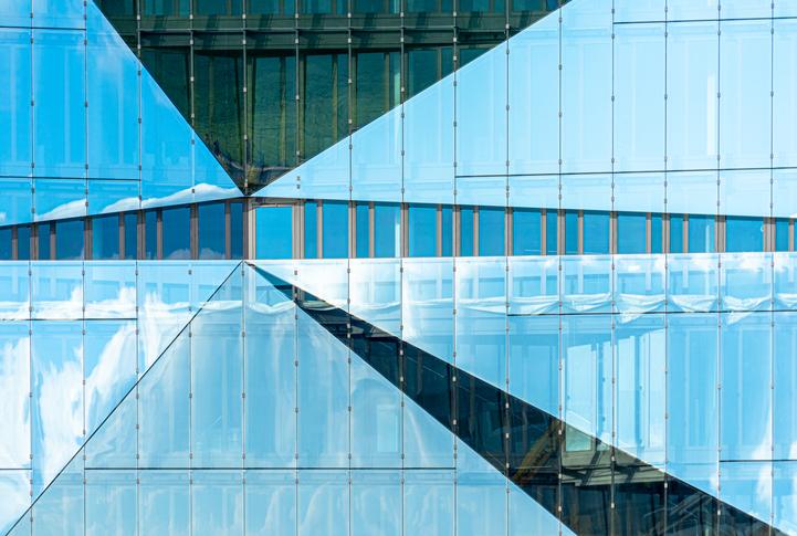 Quatre stratégies d'organisation dans un monde du travail hybride